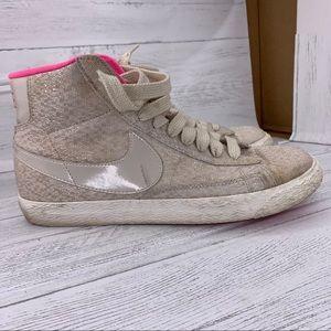 Nike women high top sneakers/8